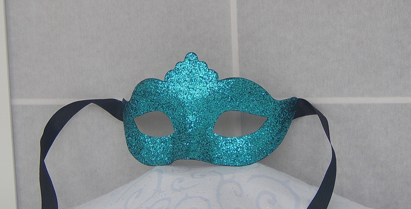 Venetian colombine children mask with glitter